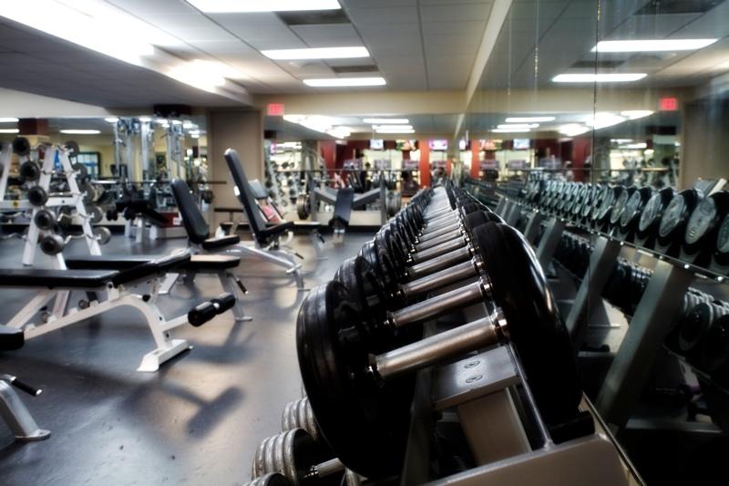 Losse gewichten of apparaten? Hoe te trainen 1